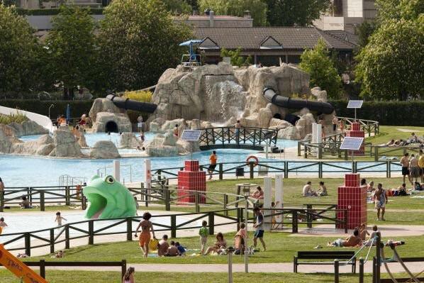 22 de junio y 17 de julio d as con mas gente en las for Cuando abren las piscinas