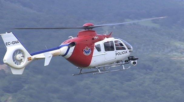 Helicóptero de la Ertzaintza utilizado para rescates montañeros