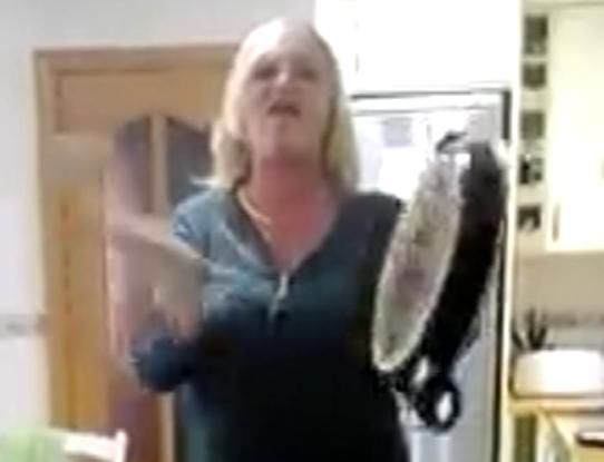 VÍDEO: Así fue la cacerolada en Abetxuko contra Los Pichis