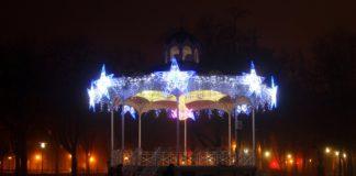 Vitoria instala ya las luces de Navidad