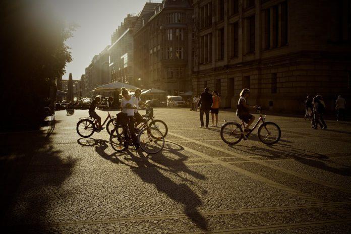 pasos peatones ciclistas, cebra