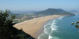 Playa-de-Berria-Cantabria-Cantabriarural-A-800x533
