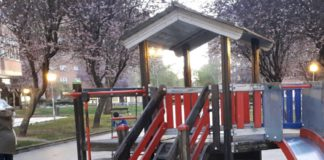 parque infantil clavos astillas