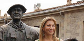 Eva García Saéz de Urturi préstamos