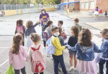 niños colegio jornada continua
