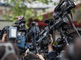 ¡De récord! Conferencia de prensa con 8 políticos en Vitoria