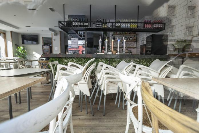 Euskadi: Cierran bares antes, más mascarilla y toque de queda voluntario