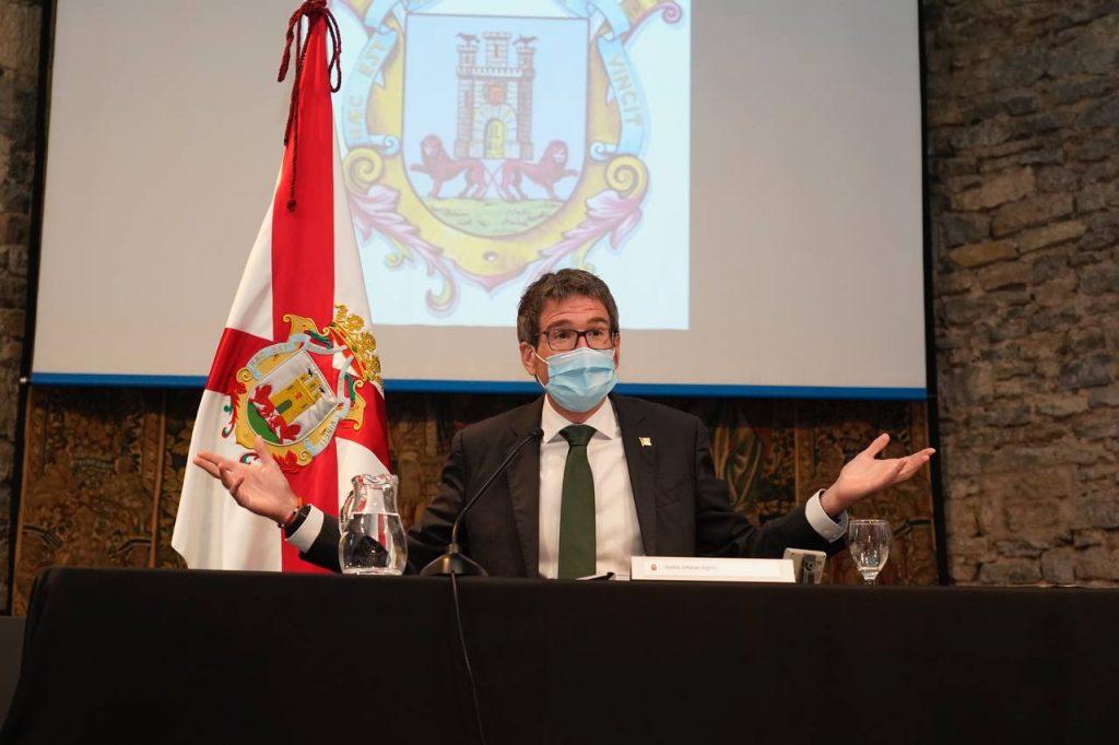 Vitoria exige al alcalde que devuelva 164 euros