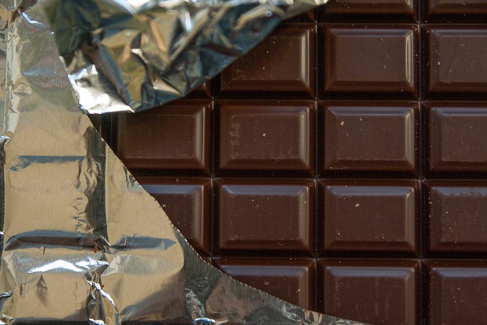 Vitoria: Chocolate para entender el absurdo con Mercedes y Michelin
